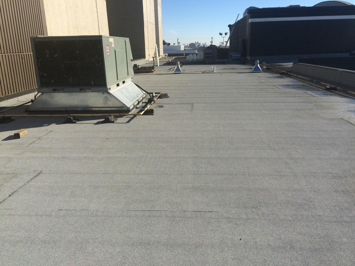 Travel Lodge Flat Roof In Edmonton