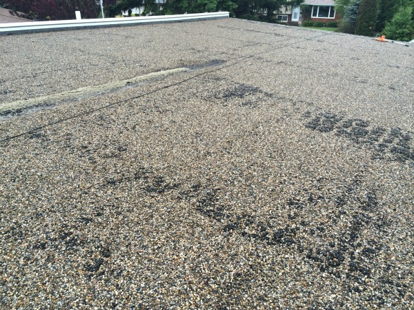 Replacement of an old tar and gravel roof